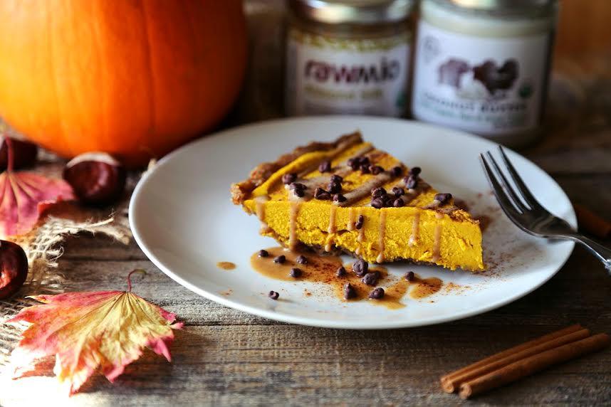 Wholesome Vegan Pumpkin Cheesecake (Paleo +  No Bake!)