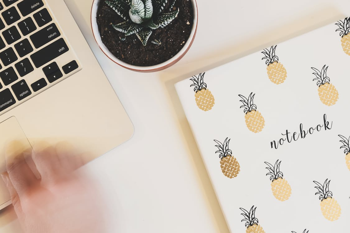 10 Day-to-Day Habits to Stay Organized and Productive