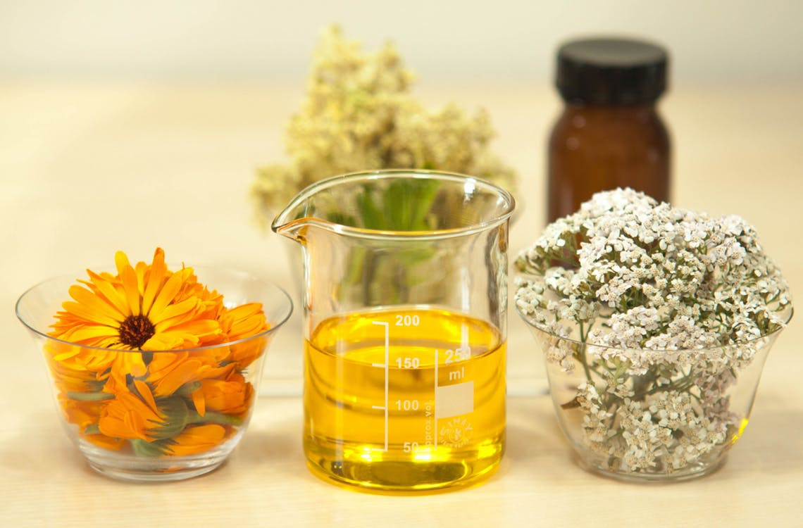 Essential Oils You Should Be Using Every Day