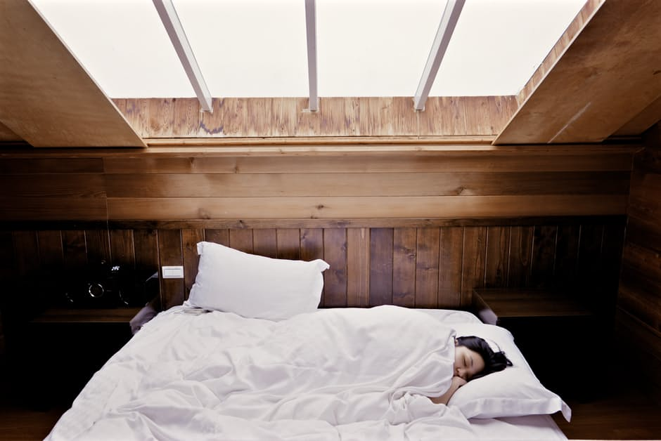 Can't Sleep? Try These Natural Ways To Minimize Insomnia